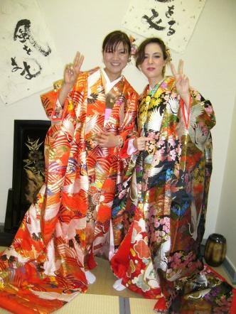 Trying kimono!!